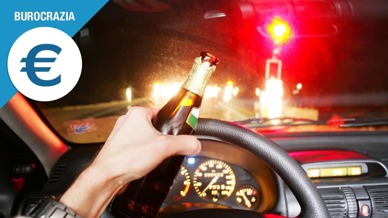 Alcol alla guida, tutti i pericoli di chi esagera