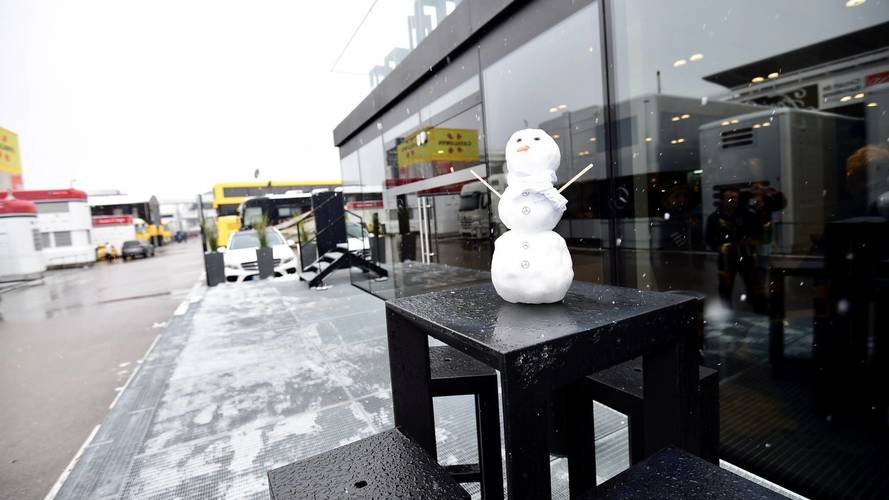 Hombre de nieve de Mercedes AMG F1