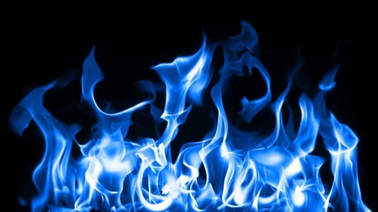 [Copertina] - Italia a tutto gas: entro 10 anni raddoppieranno i distributori di metano