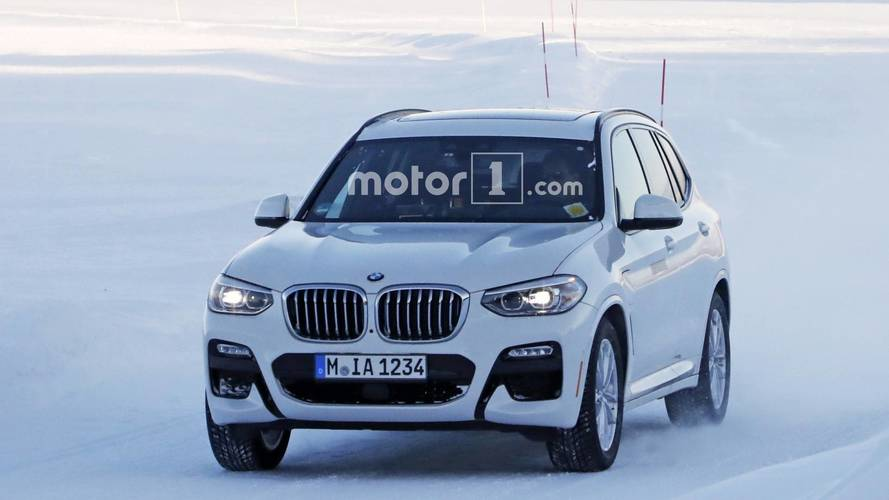 2019 BMW X3 plug-in hybrid spy photos