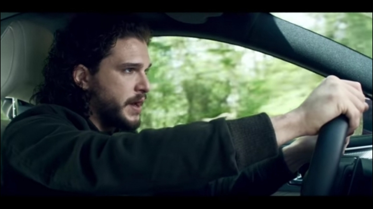 [Copertina] - Game of Thrones, Jon Snow guida una Infiniti Q60 [VIDEO]