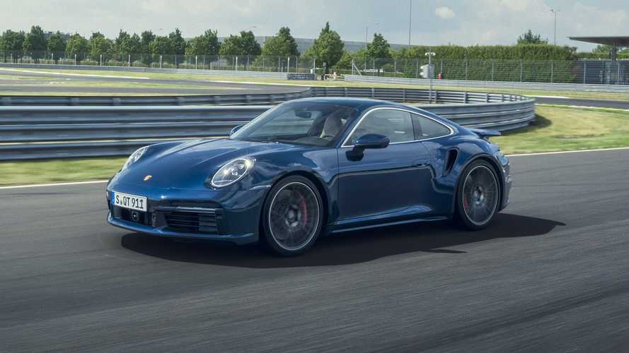 580 lóerős teljesítménnyel zárkózik a nagy testvérre a Porsche 911 Turbo