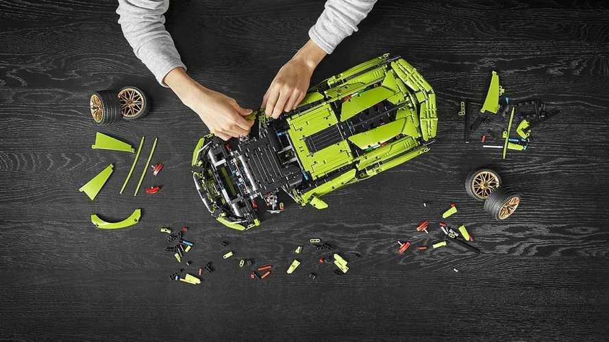 La Lamborghini Sian diventa un modellino Lego
