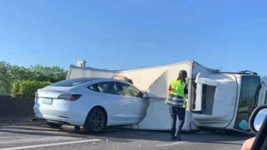 Watch Tesla Model 3 On Autopilot Crash Into Overturned Semi Truck On Highway