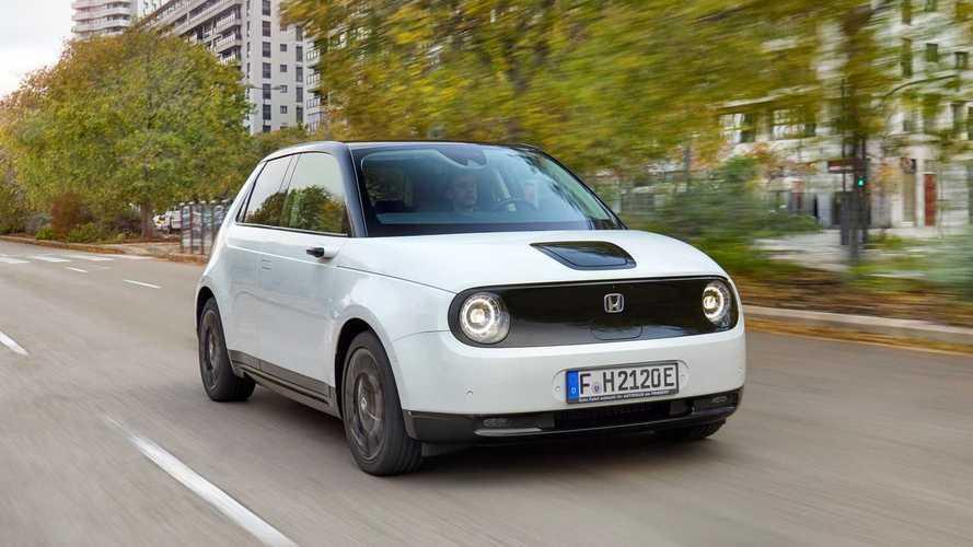 Veja como o mini elétrico Honda E se saiu no teste de autonomia na estrada