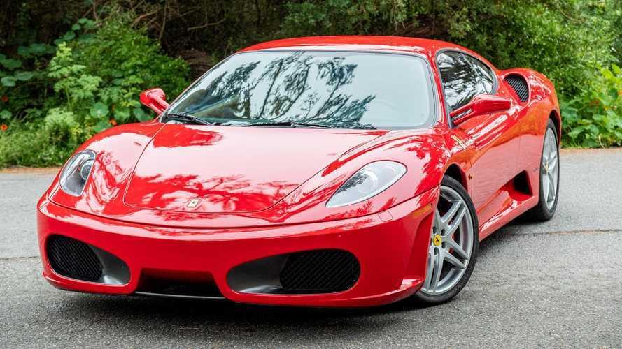 Ez a vörös Ferrari F430 minden autóőrült álomkocsija lehet