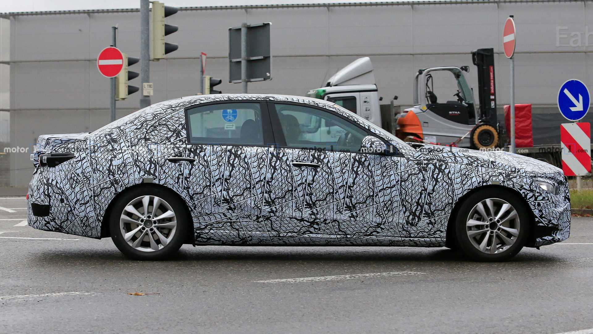 2020 - [Mercedes-Benz] Classe C [W206] 2020-mercedes-benz-c-class-spy-photo