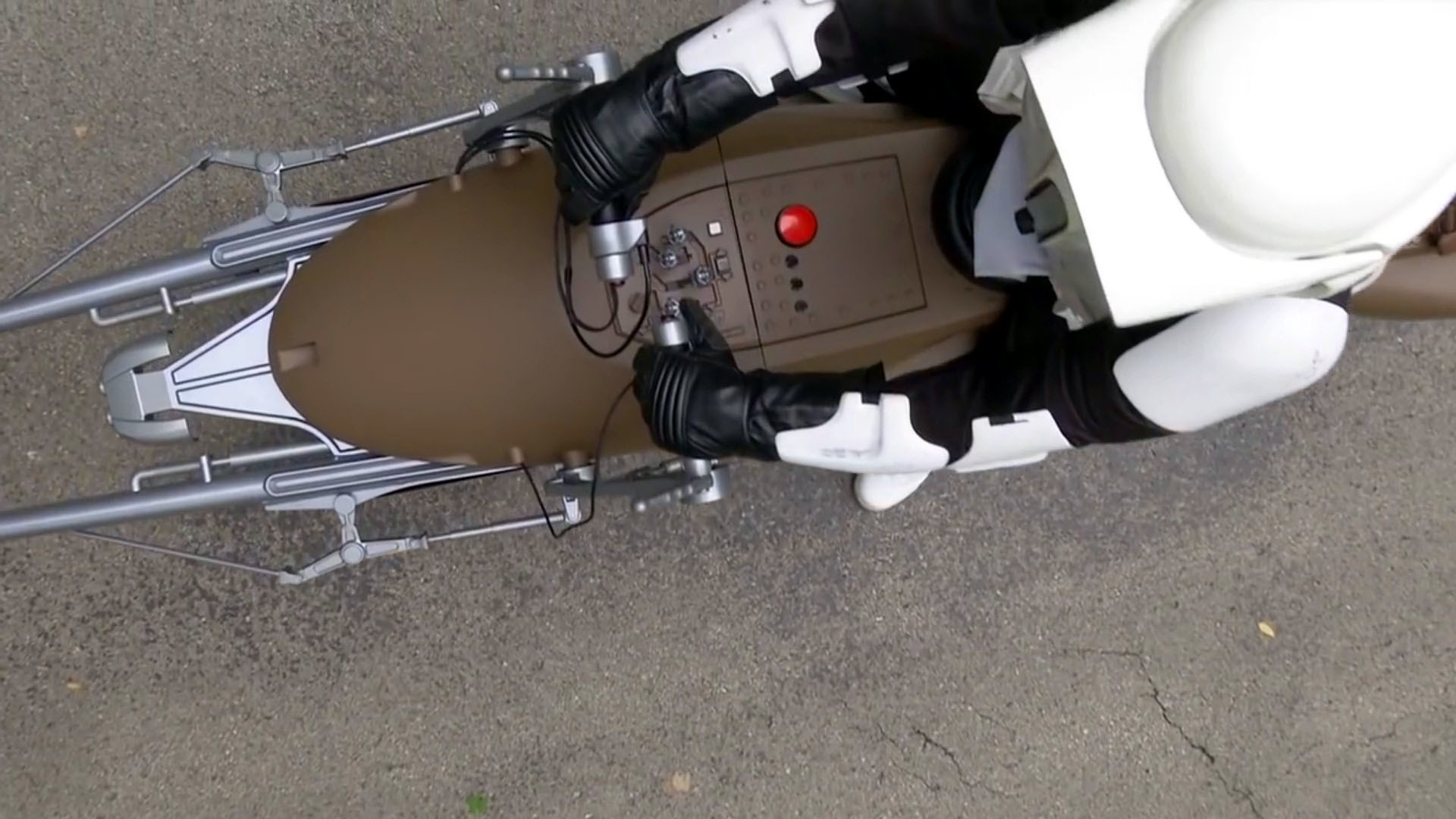 Custom Star Wars Speeder Bike motorcycle is simply amazing