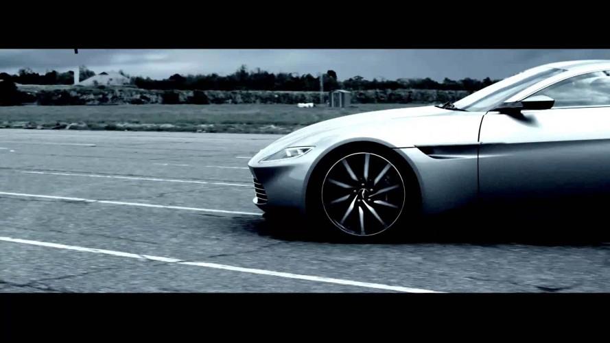 James Bond'un Yeni Aston Martin'inden Burnout Şovu