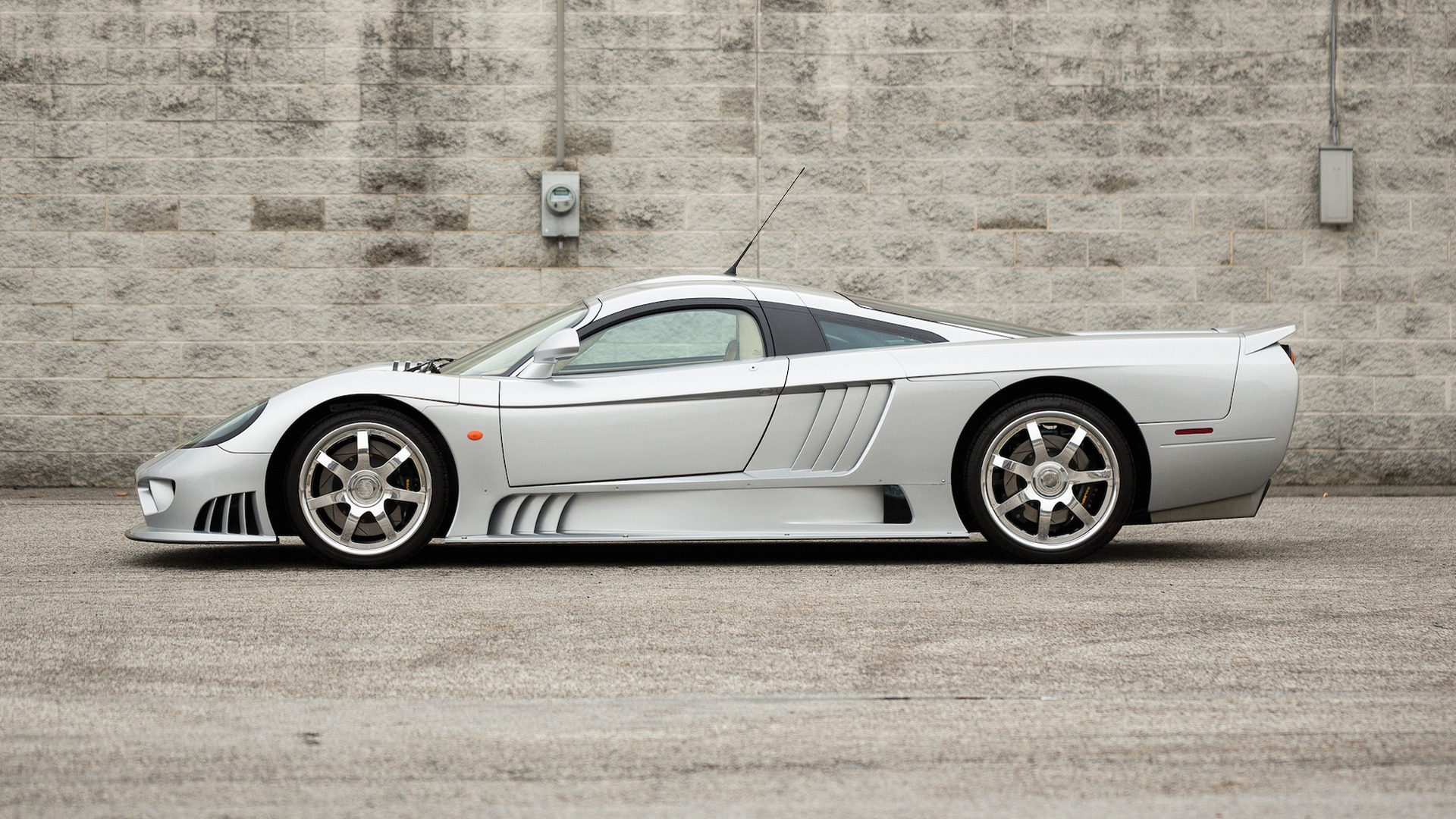Saleen S7 For Sale >> Auction Bound Saleen S7 Is Literally One Of A Kind 27 Photos