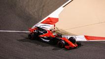 f1-bahrain-gp-2017-fernando-alonso-mclaren-mcl32
