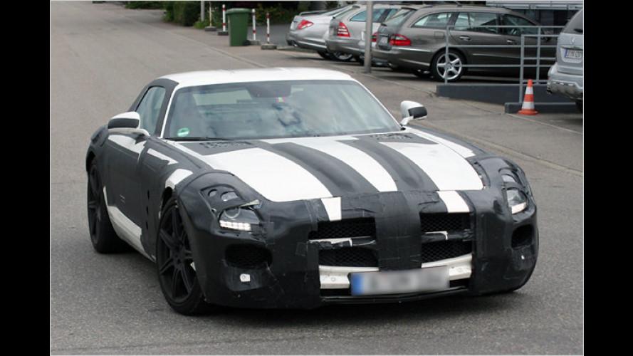 Rasanter Erlkönig: Der Mercedes SLS AMG entblättert sich