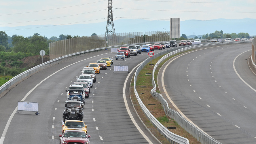 Longest queue of Ford vehicles Guinness World Record set in Bulgaria
