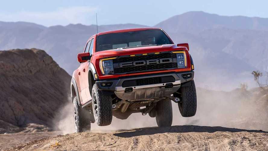 """Nuovo Ford F-150 Raptor, il """"mostro"""" del deserto"""