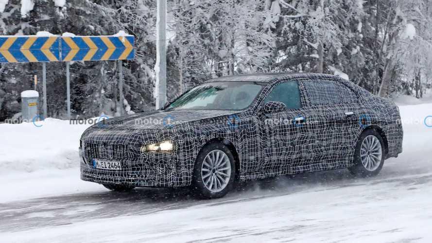 La nuova BMW Serie 7, l'ammiraglia bavarese spiata durante i test