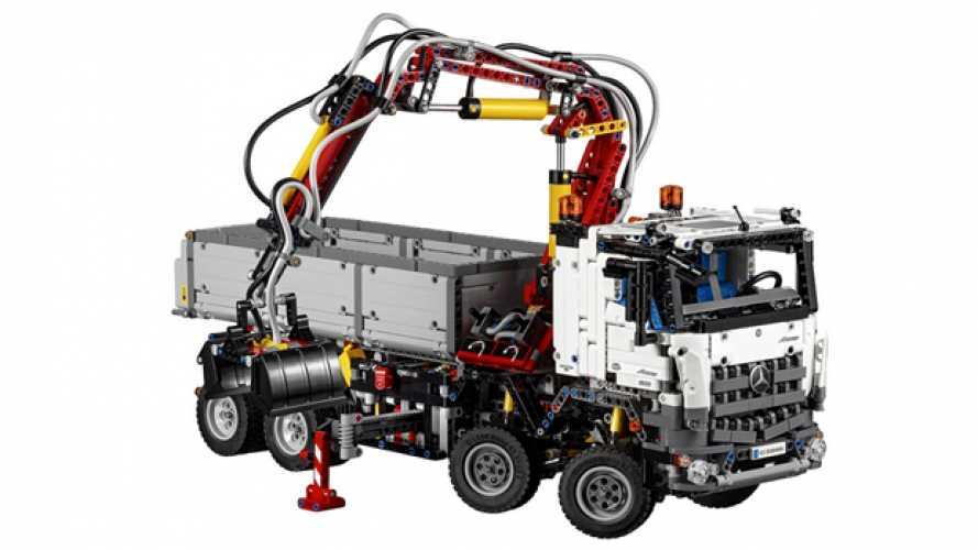 Mercedes Arocs, il truck di Lego