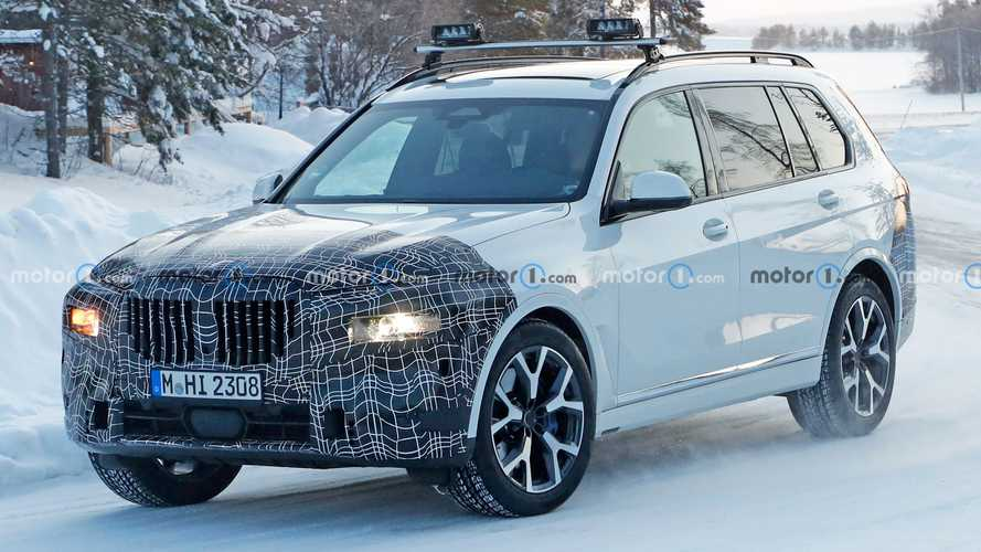 Redesigned BMW X7 caught playing in the snow in new spy photos