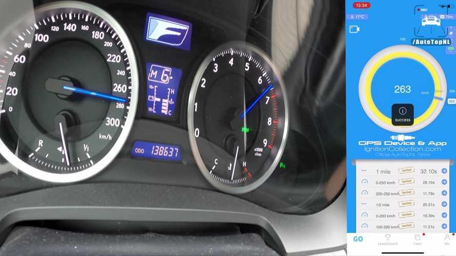 Lexus IS F'in otoban performansı dudak uçuklatıyor!