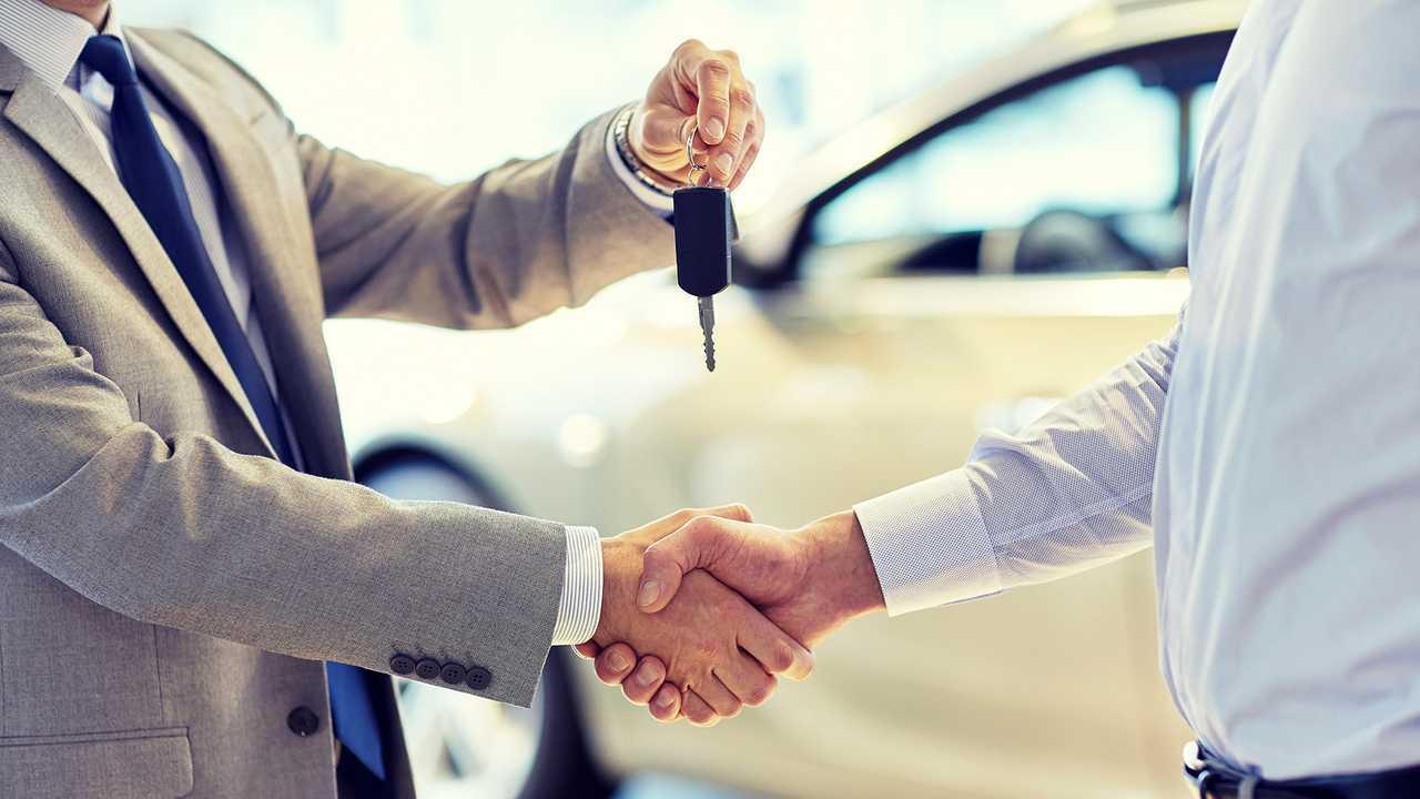 Consegna chiavi auto