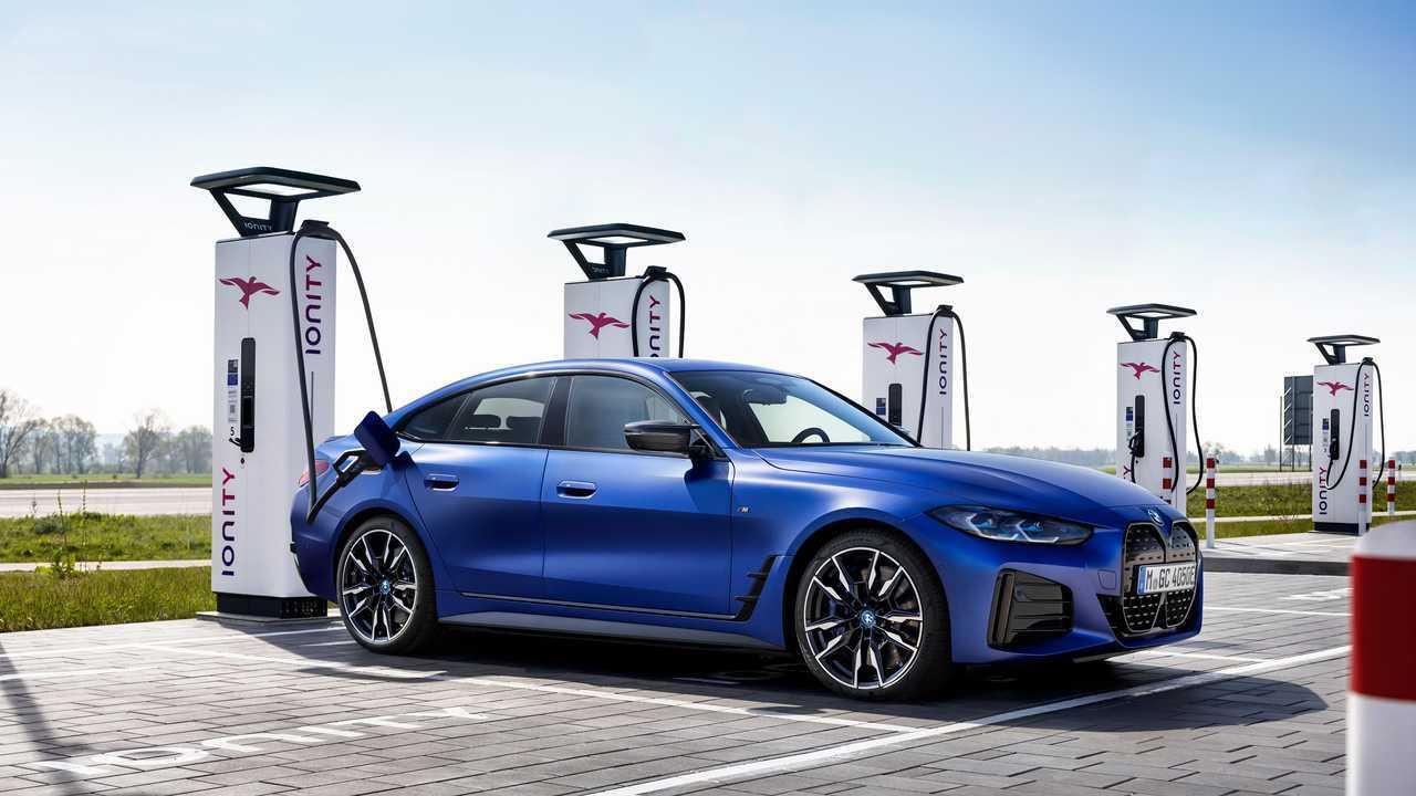 La BMW i4 M50, prima elettrica M della Casa di Monaco