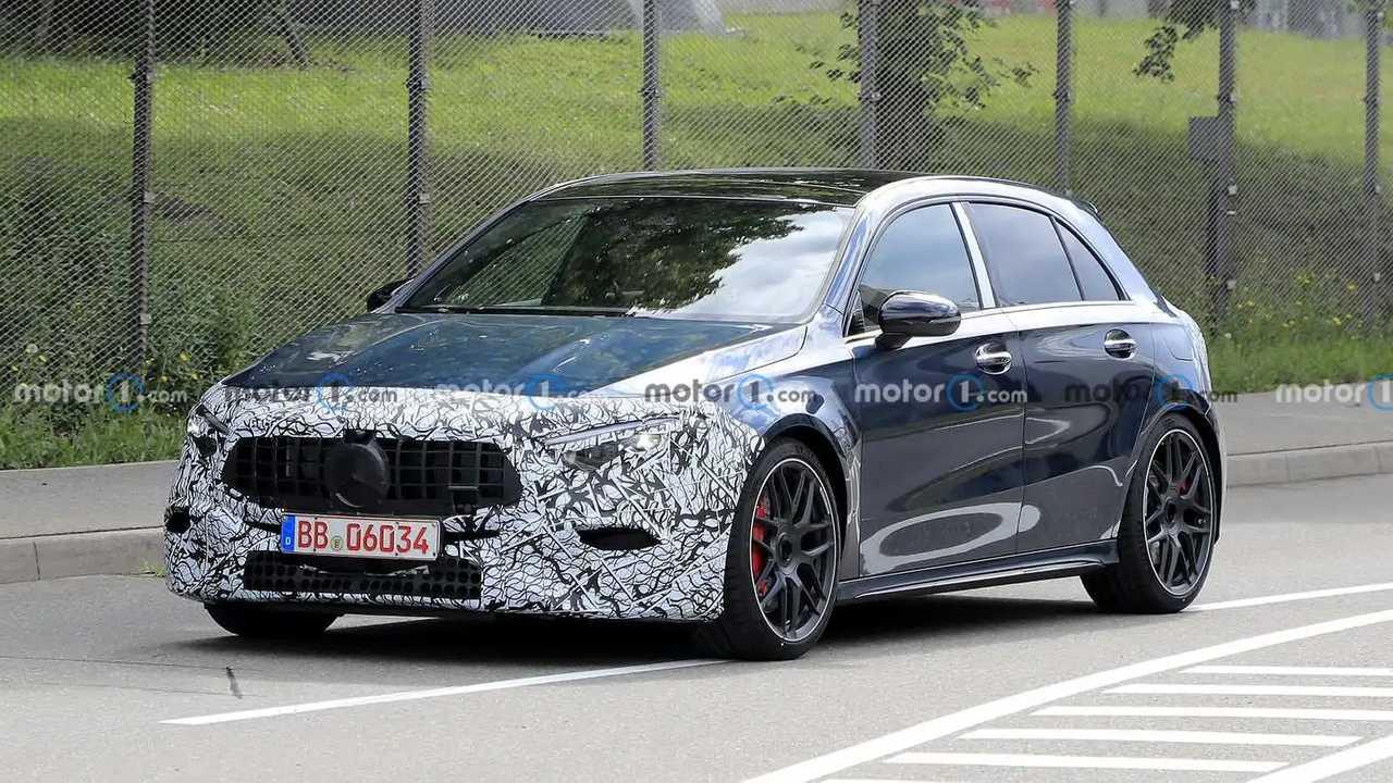 2023 Mercedes-AMG A45 facelift spy photo