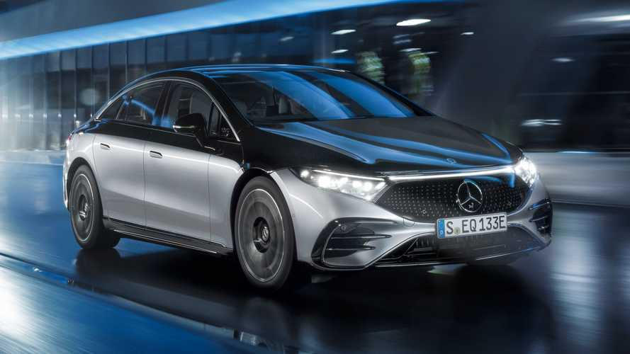 2022 Mercedes-Benz EQS debuts with slippery styling and 478-mile range