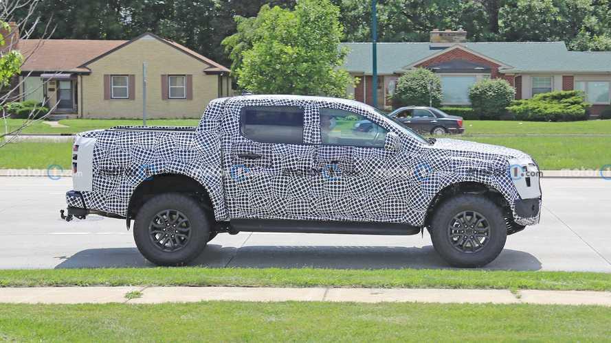 Nova Ford Ranger Raptor 2023 aparece em testes com cara da F-150