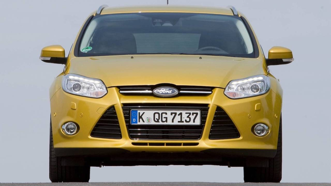 The Ford Focus A Look Through Compact Cars History Engine 2000 Rs First Generation 02 2002 Third 2010