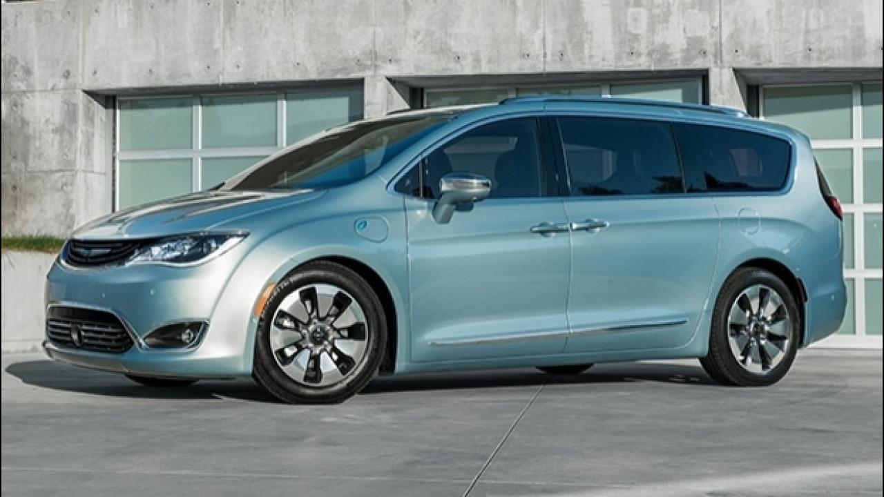 [Copertina] - Chrysler Pacifica elettrica, concept a sorpresa al CES