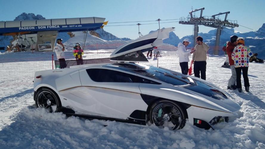 """Frangivento, """"l'auto con l'acquario"""" in mostra sulle Dolomiti"""