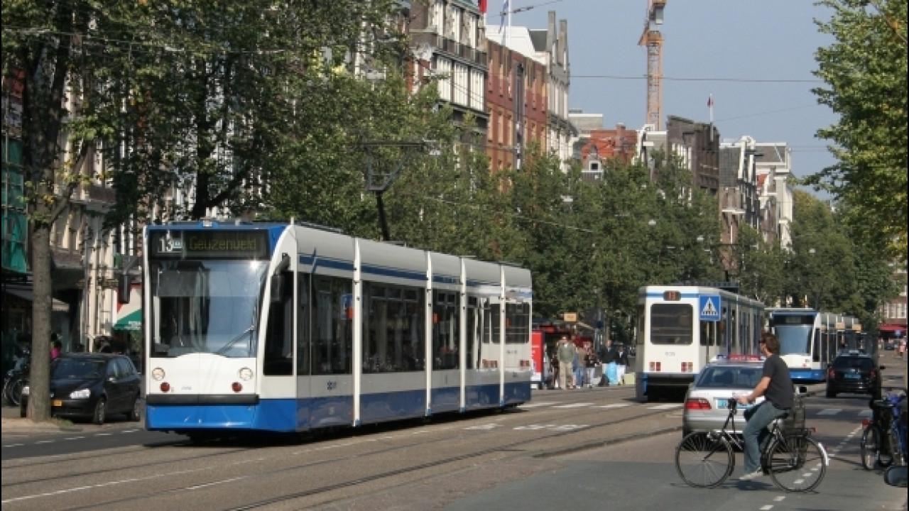 [Copertina] - Inquinamento, solo l'Olanda verso lo stop a benzina e diesel