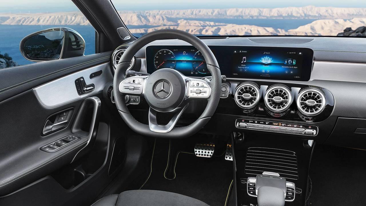 Nuova Mercedes Classe A, la plancia