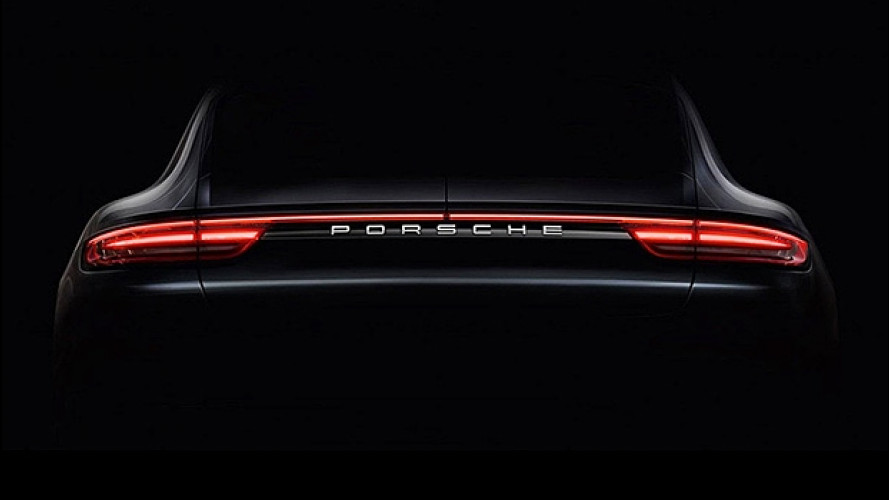 Nuova Porsche Panamera, uno sguardo al lato B [VIDEO]