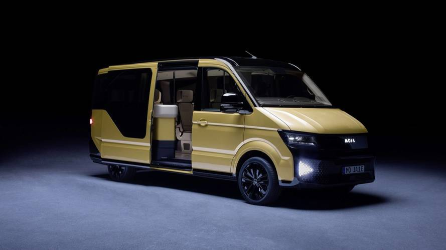 German startup shows new ride-sharing concept, invents bus