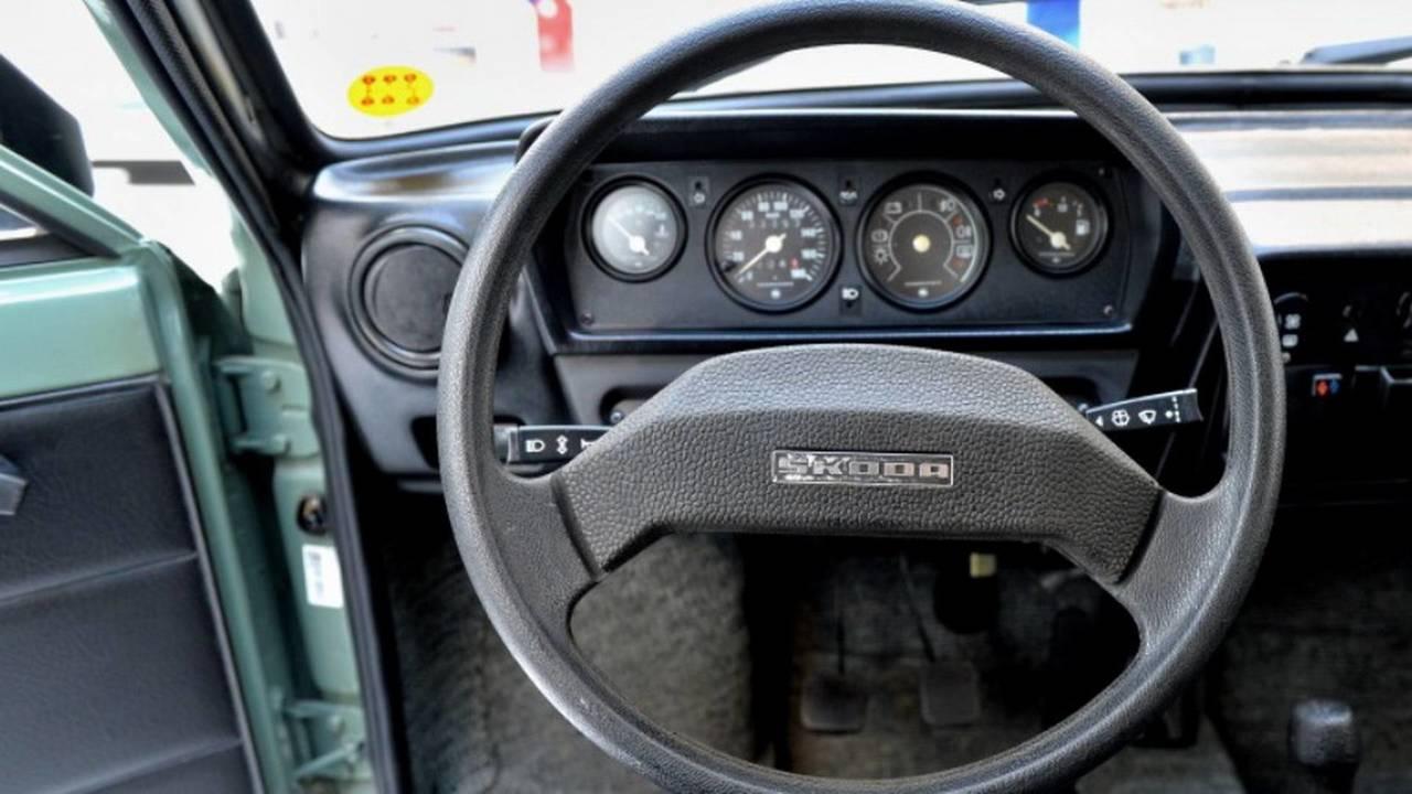 1984 Skoda 120 L steering wheel