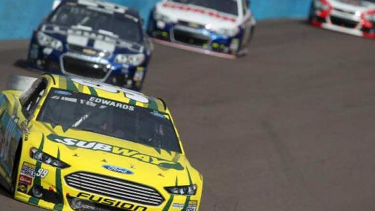 Carl Edwards Wins the Subway Fresh Fit 500 / Nascar.com
