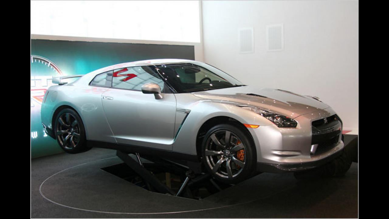 Nissan GT-R: Der Extremsportler wird von einem 480 PS starken Twinturbo-V8 angetrieben