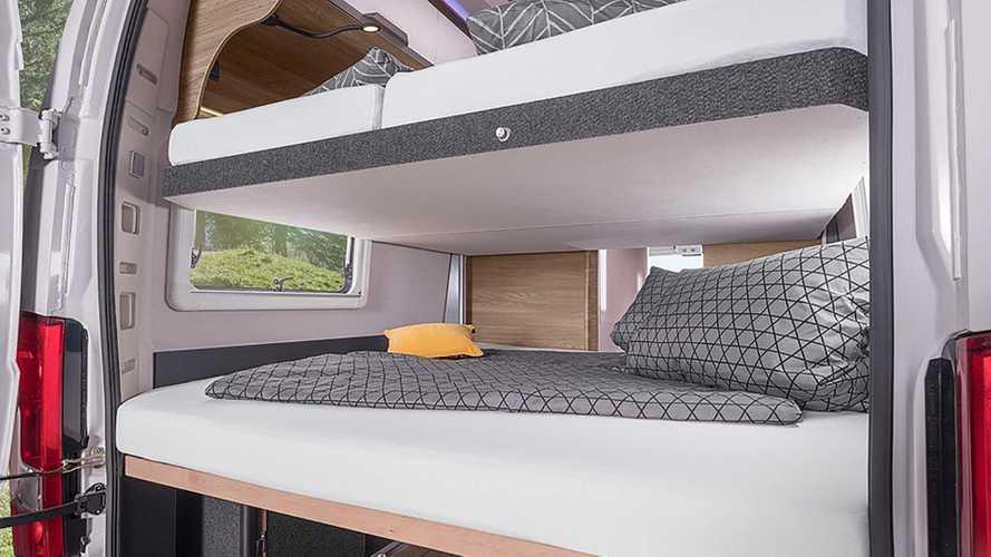Bu karavan, 7 kişiyi ve birkaç bisikleti barındırabiliyor