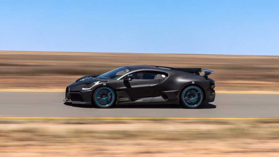 Bugatti Divo Looks Cool While Undergoing Hot Desert Testing