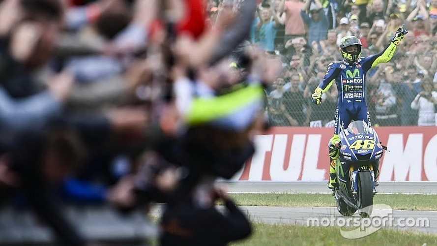 """Rossi: """"El mayor tesoro de mi carrera deportiva son mis fans"""""""