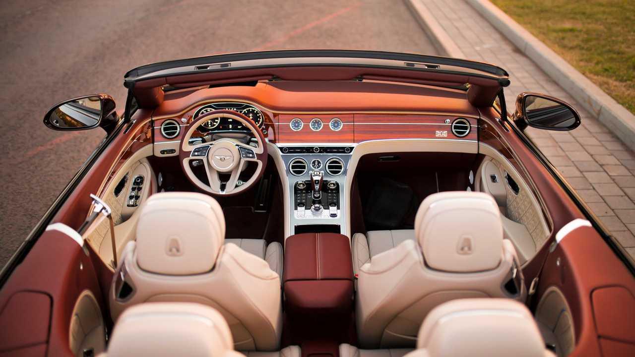Bentley Continental GTC в России