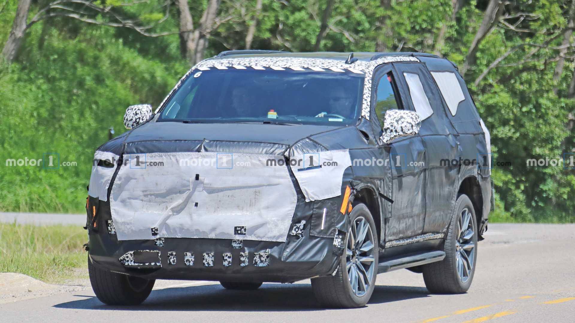 202 - [Cadillac] Escalade V 2021-cadillac-escalade-spy-photo