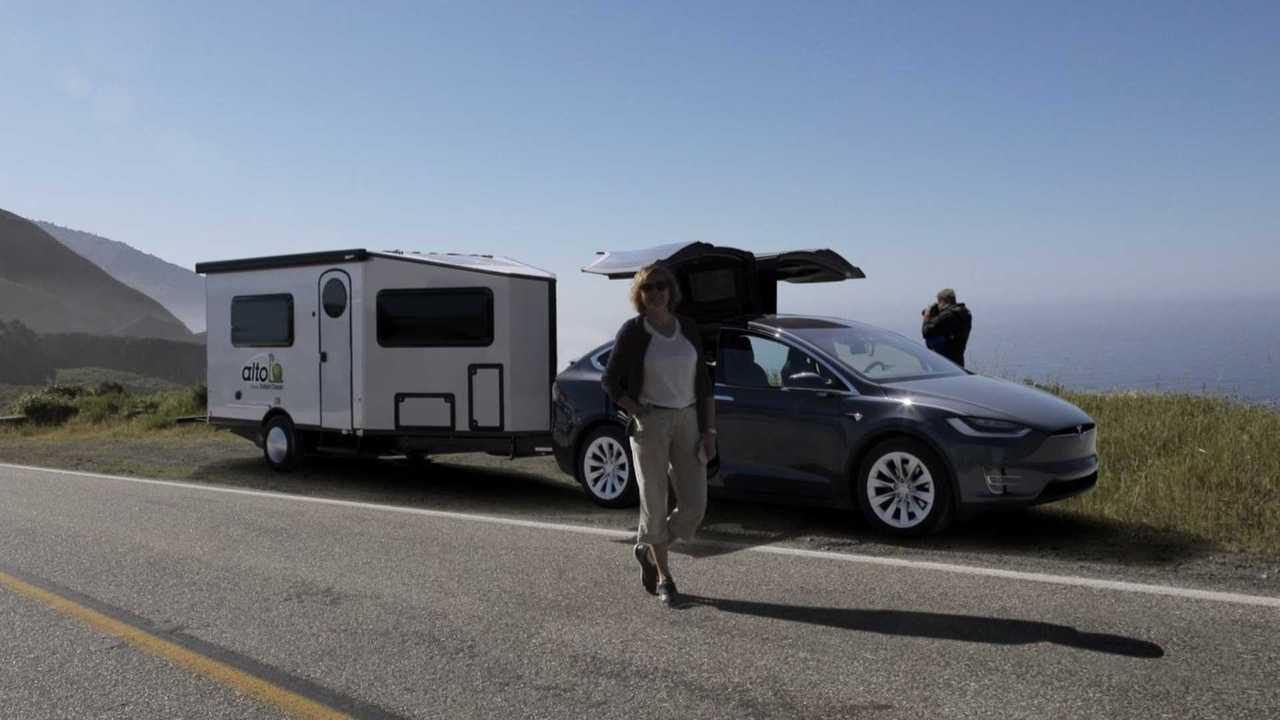 Ultra Light Travel Trailers >> Safari Condo Unveils Ultra Light And Aerodynamic New Trailer