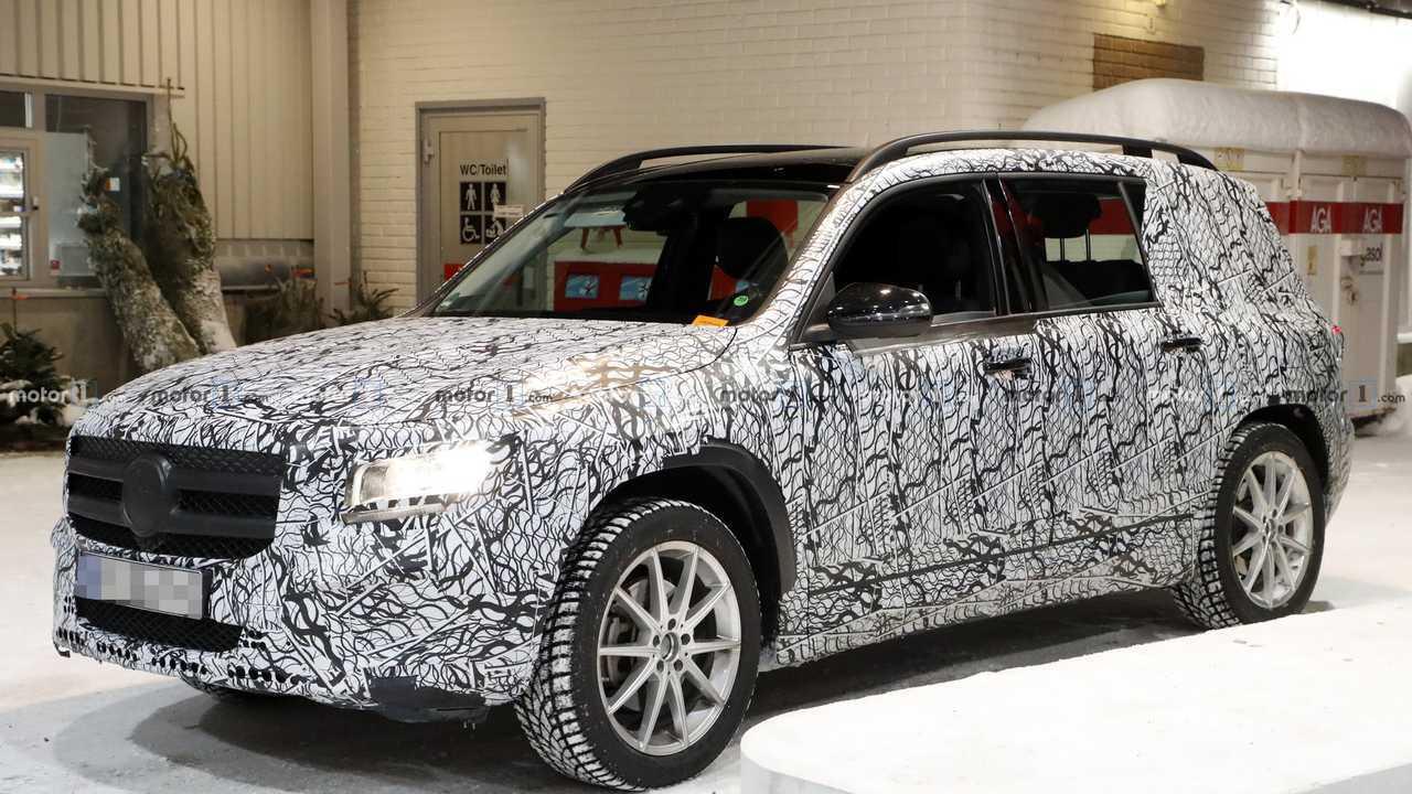 2020 Mercedes GLB шпионское фото