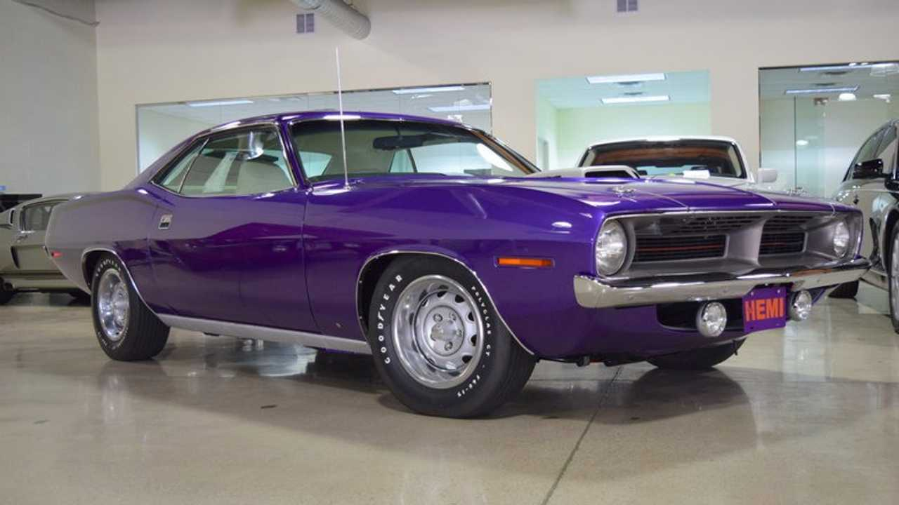 1970 Plymouth Barracuda 426 Hemi barn find