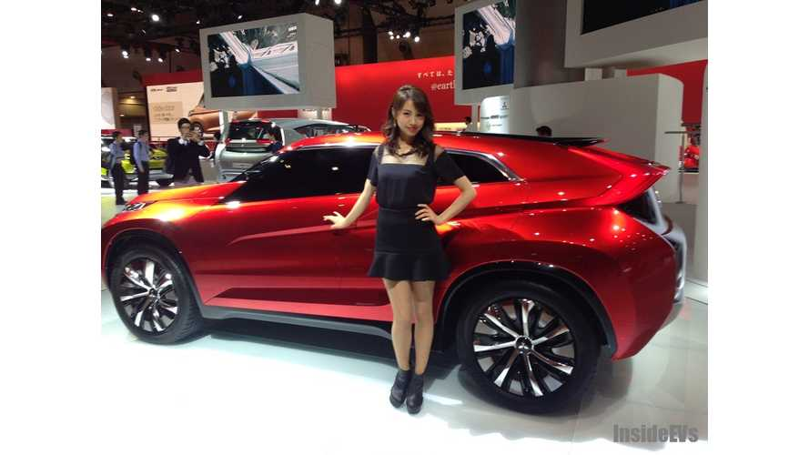 Mitsubishi Concept XR-PHEV Hits the Stage in Tokyo - Live Images + Video