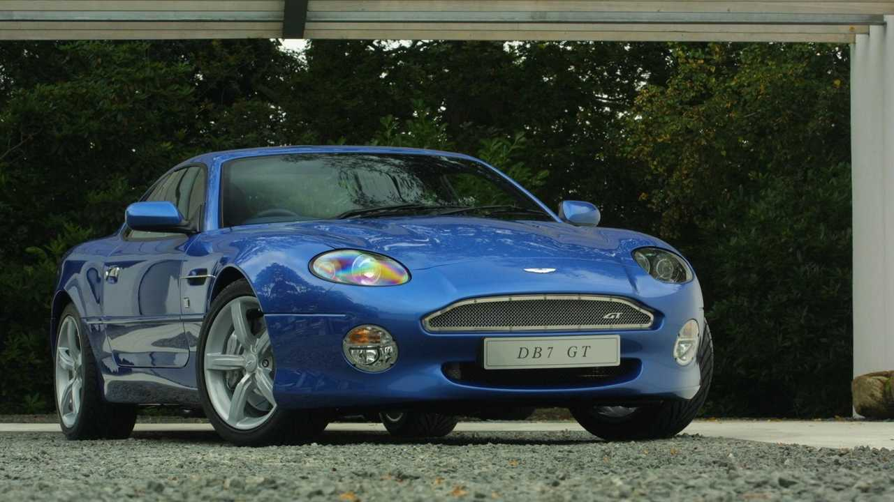 Beaulieu Museum Celebrating 25 Years Of The Aston Martin Db7 Motorious