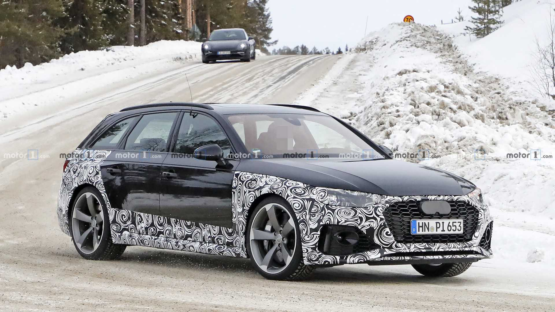 2020-audi-rs4-avant-facelift-spy-photo.j