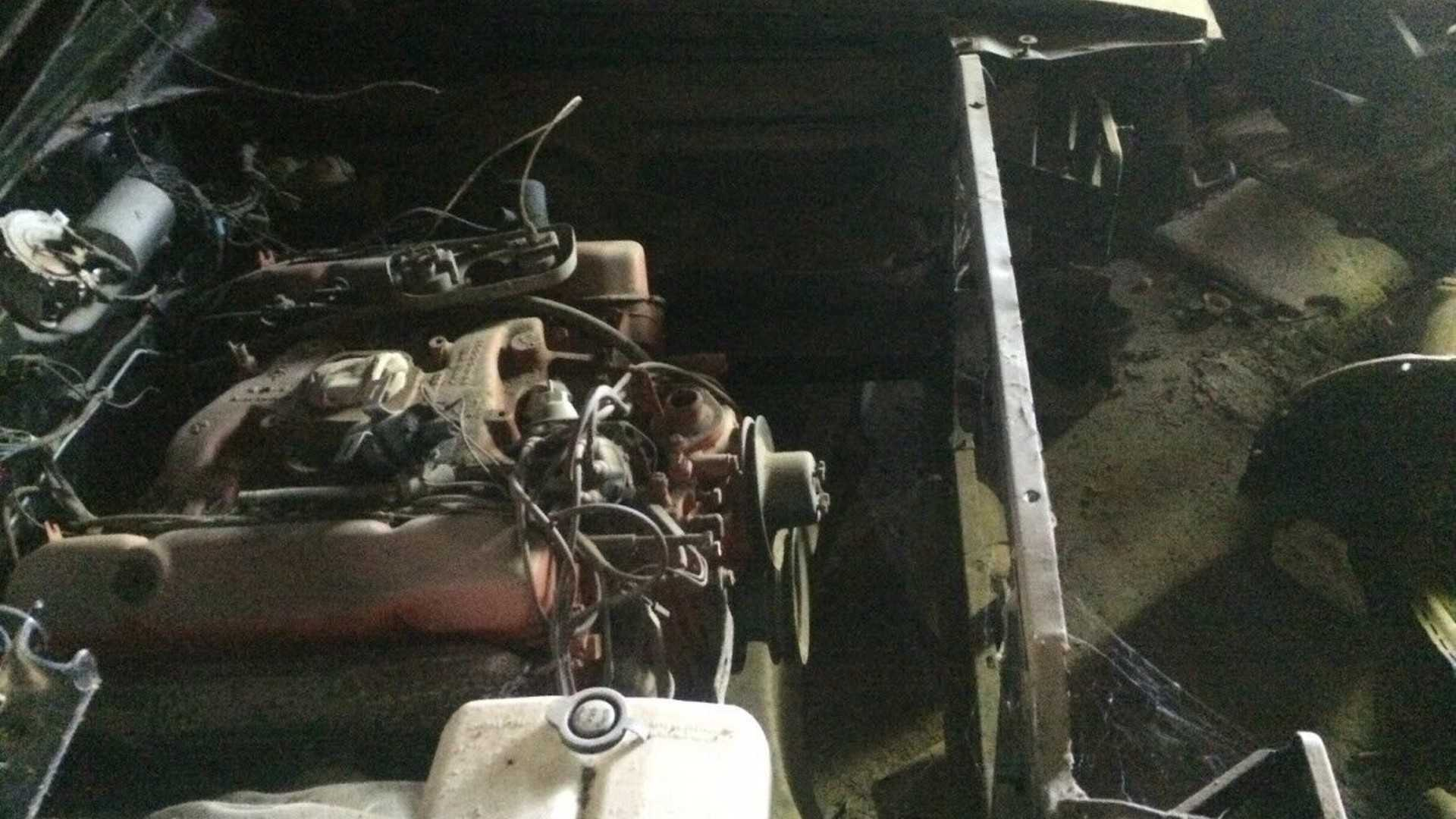 "[""Barn Find Dodge Charger RT""]"