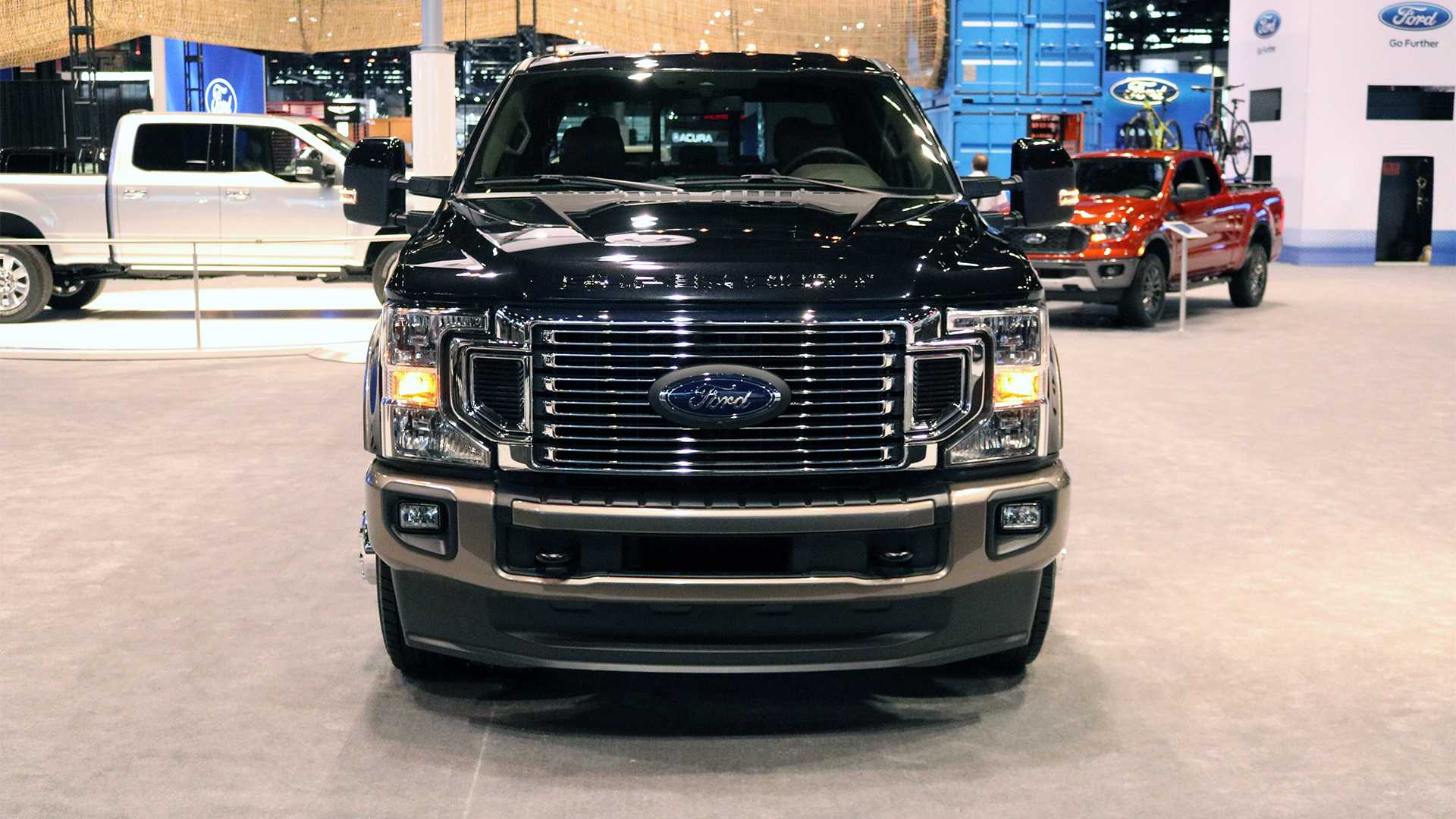 2020 Ford Super Duty Powers Into Chicago With 7 3 Liter V8
